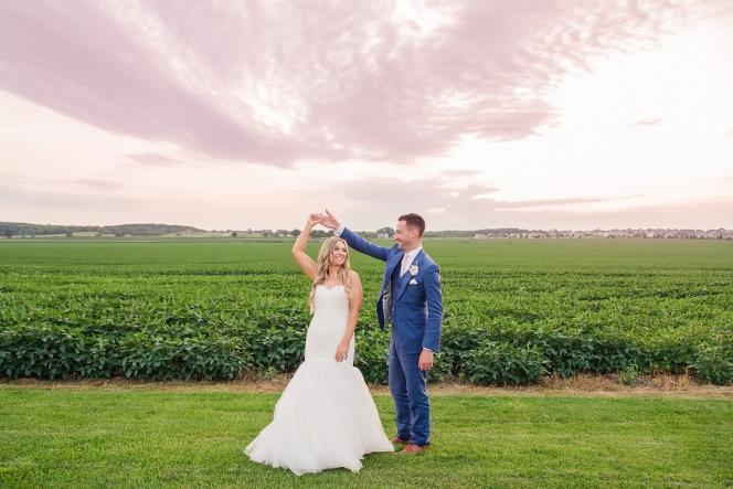 midwest wedding, chicago barn wedding, soybean field
